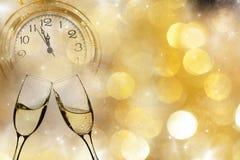Новый Год на полночи - старые света часов и праздника Стоковые Фотографии RF