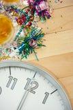 Новый Год: Полуночная предпосылка торжества партии Стоковое фото RF