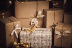 Новый Год украшения рождества коробки присутствующие Стоковая Фотография