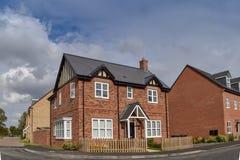 Новый дом в Bedfordshire Англии стоковая фотография rf