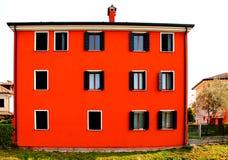 Новый итальянский типичный дом стоковое изображение rf