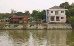 Новый и старый тип дома Стоковое Изображение