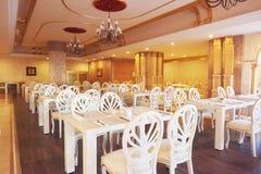 Новый и чистый роскошный ресторан в европейском стиле Amara роскошная гостиница Dolce Vita курорт Tekirova-Kemer Стоковые Фотографии RF