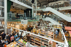 Новый магазин и ресторан EATALY в милане, Италии Стоковая Фотография RF