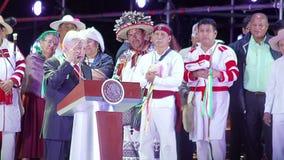 Новый мексиканский президент делает речь к людям сток-видео