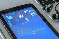 Новый начальный экран к применению Facebook Стоковое Изображение RF
