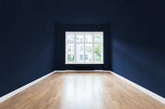 Новый дом, пустая комната, синь покрасил стены Стоковые Изображения