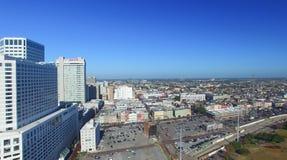НОВЫЙ ОРЛЕАН - 11-ОЕ ФЕВРАЛЯ 2016: Вид с воздуха горизонта города Th Стоковая Фотография