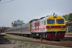 Новый пассажирский автомобиль поезда отсутствие 10 и 11 Имя трассы Uttara Стоковое Изображение