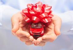 Новый подарок автомобиля. Стоковые Изображения