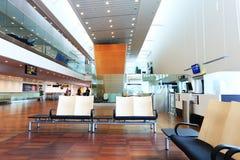 Новый современный интерьер авиапорта Стоковые Изображения