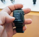 Новый телефонный номер номера шкалы серии 3 вахты Яблока контактирует app Стоковая Фотография RF