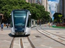 Новый трамвай Рио-де-Жанейро в испытании в praca Maua квадрата Maua Стоковое Изображение RF