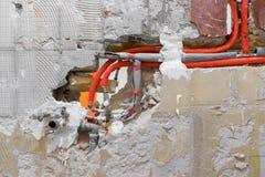 Новый трубопровод воды в стене стоковые изображения rf