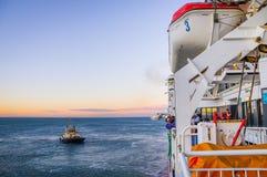 Новый дух корабля Тасмании приезжая на порт Мельбурн Стоковые Изображения RF