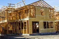 Новый Multi дом рассказа под конструкцией стоковые фотографии rf