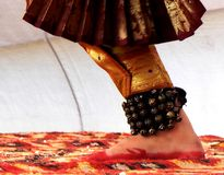 Нога индийского классического танцора стоковое фото rf