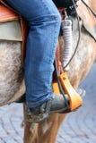 Нога ковбоя в стремени лошади Стоковые Фотографии RF