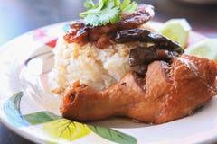 Нога цыпленка с рисом Стоковые Изображения