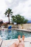 Ноги женщины бассейном Стоковое Изображение