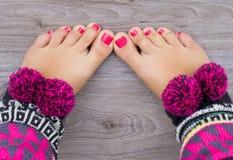 Ноги женщин с pedicure стоковое фото rf
