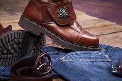ноги изолированные ботинками кожаные белые Стоковые Изображения RF