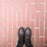 Ноги и ботинки Схематическое изображение ног в ботинках Ноги идти ботинок Стоковое Изображение