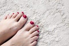 Ноги на песке стоковые фотографии rf