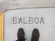 Ноги на тротуаре Стоковые Фотографии RF