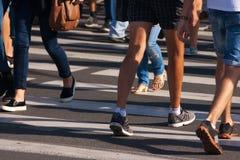Ноги пешеходов стоковое фото rf