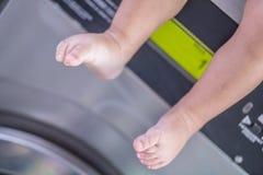 Ноги прачечной младенца Стоковое Изображение