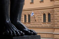 Ноги скульптур Atlantes новой обители стоковое фото rf