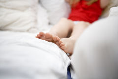 Ноги Baby�s Стоковые Изображения