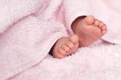 ноги s младенца Стоковые Фото
