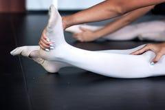 ноги s танцора Стоковое Фото