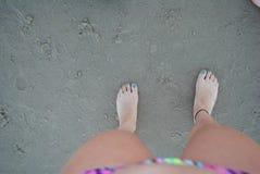Ноги Sandy стоковая фотография rf