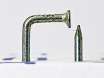 Ноготь согнутый многократной цепью серебристый Стоковые Изображения RF