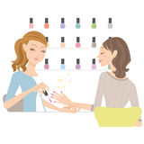 ногти ногтя beautician женские полируя салон Стоковые Фото