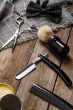 Ножницы, воск и бабочка стоковые фото