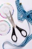 ножницы игл резьбу текстуры катышкы продели нитку инструменты Стоковые Изображения RF