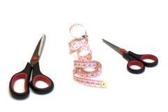 ножницы измерения связывают 2 тесьмой Стоковая Фотография RF