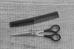 Ножницы и гребень Стоковые Изображения RF
