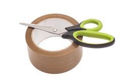 Ножницы и крен клейкая лента для герметизации трубопроводов отопления и вентиляции Стоковые Изображения RF