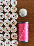 ножницы полотна холстины кнопок измеряя установили ленту поставк Стоковые Фото