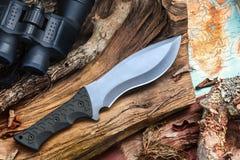 Нож Buschcraft на выживание, приключение и жизнь глуши бесплатная иллюстрация