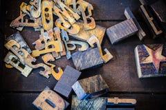 Номера и письма заржаветые и чернилами запятнанные Стоковое Фото
