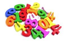 Номер математики красочный на белой предпосылке: Математика исследования образования уча учит концепции стоковое изображение