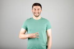 Номер показа человека пальцами Стоковые Фотографии RF