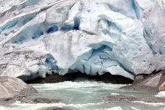 Норвегия, национальный парк Jostedalsbreen. Известное glac Briksdalsbreen Стоковое Изображение