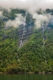 Норвегия, фьорд Geiranger известна для своих водопадов Стоковые Изображения